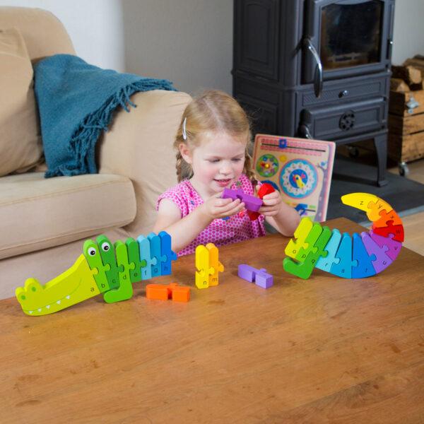 puzzle-alfabet-crocodil-new-classic-toys-05