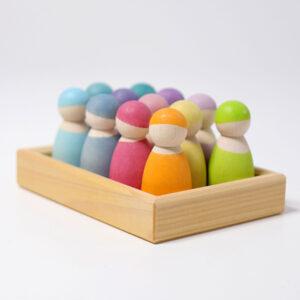 set-12-figurinele-din-lemn-pastel-rainbow-friends-grimms-01