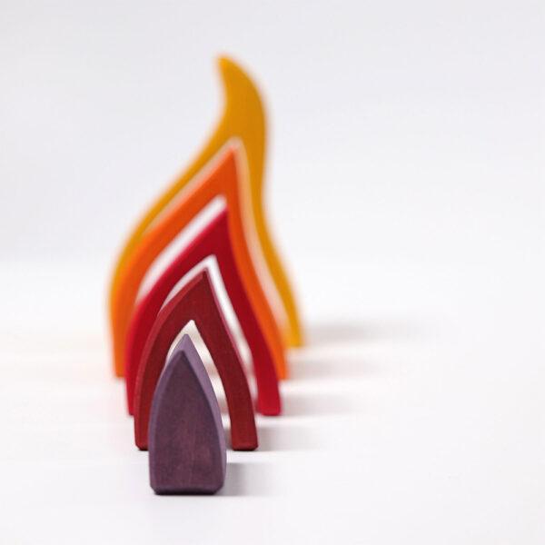Jucarie-waldorf-elementul-foc-grimms-piciland-05