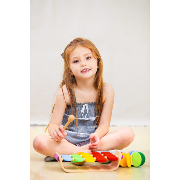oval-xylophone-plan-toys-02