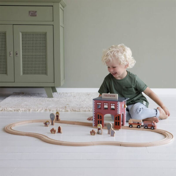 Sectie de pompieri cu figurine din lemn - Extensie Little Railway Collection - Little Dutch